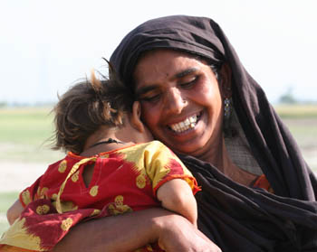 Pakistan - mother and child.jpg
